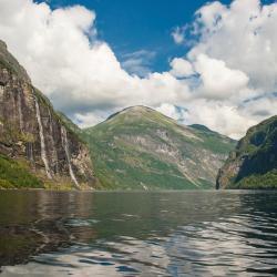 Nordfjordeid 9 hotels