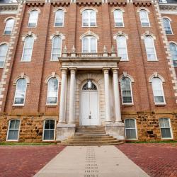 Fayetteville 105 hotels