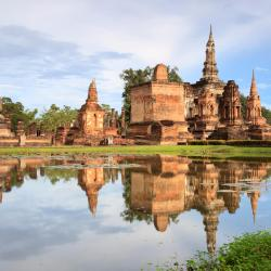 Sukhothai 24 hotels with pools