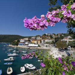 Rabac 3 hotels with a jacuzzi