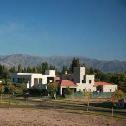 Villa Nueva 8 hotels