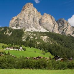 Corvara in Badia 9 serviced apartments