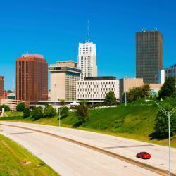 Akron 19 hotels