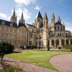 Caen 95 vacation rentals