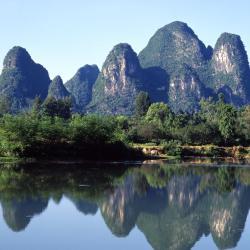 Yangshuo 300 hotelov