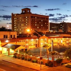 Fresno 67 hotels