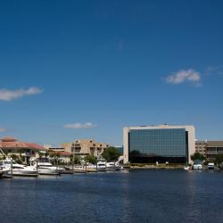 Pensacola 4 Holiday Inn hotels