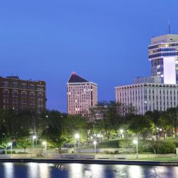 Wichita 103 hotels