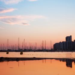 Bahía de San Antonio 64 hoteles