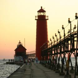 Grand Haven 14 hotels