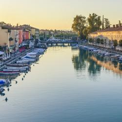 Peschiera Borromeo 14 hotels