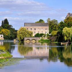 La Suze-sur-Sarthe 3 hotels