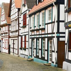 Bad Neuenahr-Ahrweiler 99 Hotels