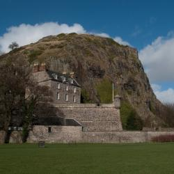 Dumbarton 14 hotels
