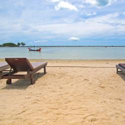 Chaweng Noi Beach 83 hotels with pools