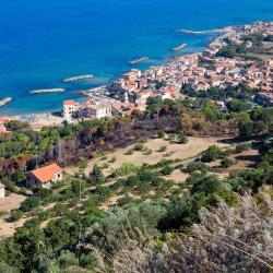 Santa Maria di Castellabate 3 hotels with a jacuzzi