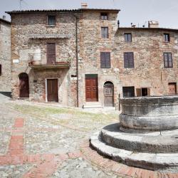 Castiglione d'Orcia 74 hotels