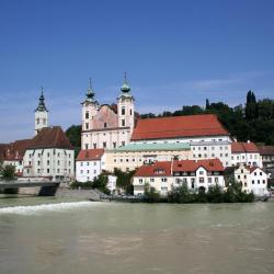 Steyr 24 hotels