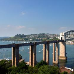 Saltash 32 hotels