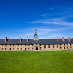 Louisbourg 8 hotels