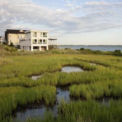 Hampton Bays 13 hotels