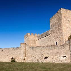 Pedraza-Segovia 3 country houses