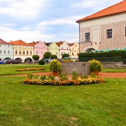 Nové Město nad Metují 3 guest houses