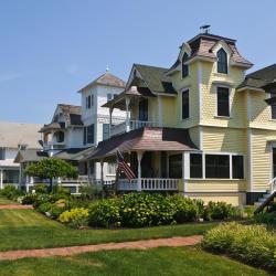 Oak Bluffs 45 hotels