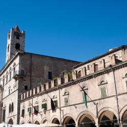 Асколи-Пичено 115 отелей