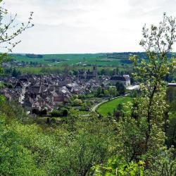 Noyers-sur-Serein 11 Hotels