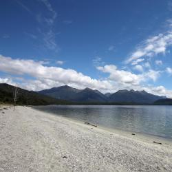 Manapouri 14 hotels