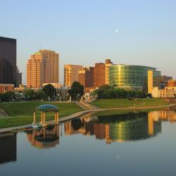 Dayton 33 hotels