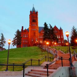 Syracuse 9 accessible hotels