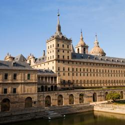 San Lorenzo de El Escorial 3 hoteles con piscina