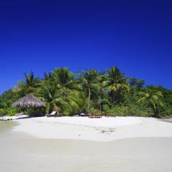 Manadhoo 4 resorts