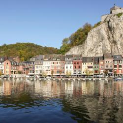 Dinant 66 hotels