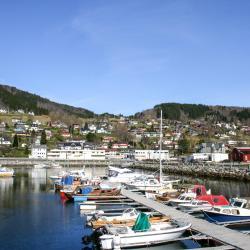 Sjøholt 4 hotels
