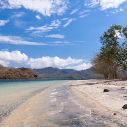 Gili Asahan 3 beach hotels