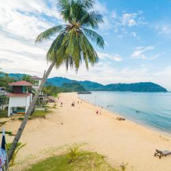 Kampong Juara 12 hotels