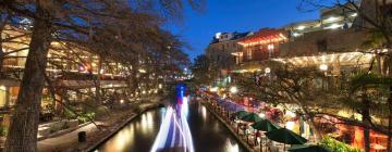 Hotels in Downtown - Riverwalk
