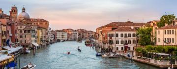 Hotels in Grand Canal