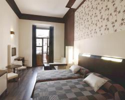 Alhambra Suites