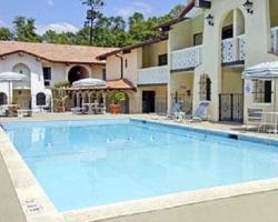La Casa Inn and Suites