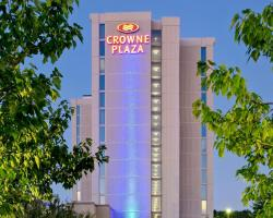 Crowne Plaza Chicago O'Hare Hotel & Conference Center, an IHG Hotel