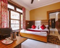 Hotel Varuni