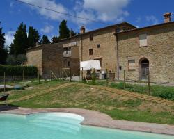 Lovely Valley View Holiday Home in Chianni