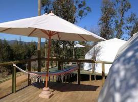 Grado8punto8 Glamping Valle de Los Artistas, resort village in Lolol