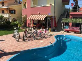 Apartments Villa Stella Maris, hotel with pools in Rogoznica