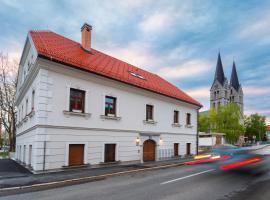 Hostel Bearlog Kočevje, hostel v mestu Kočevje