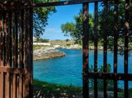 la casa nell'acqua, hotel in zona Spiaggia di Porto Badisco, Otranto